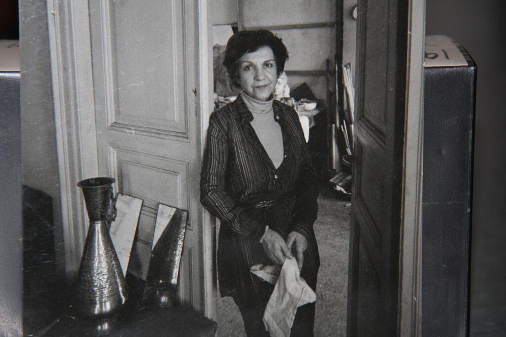 Kristin Saleri at her residence in Saksi sokak Pangalti Photograph by Ara Guler