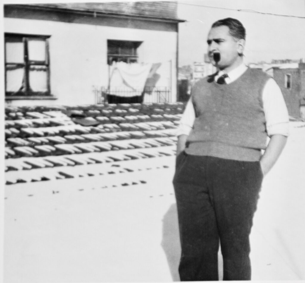 Agop Saleri at the roof of the Saks, Sok
