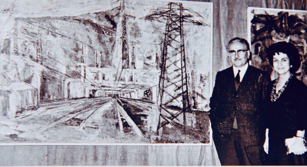"""Agop Saleri, Kristin Saleri in the background, """"Energy"""""""